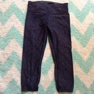 CALVIN KLEIN black and gray athletic capri pants S
